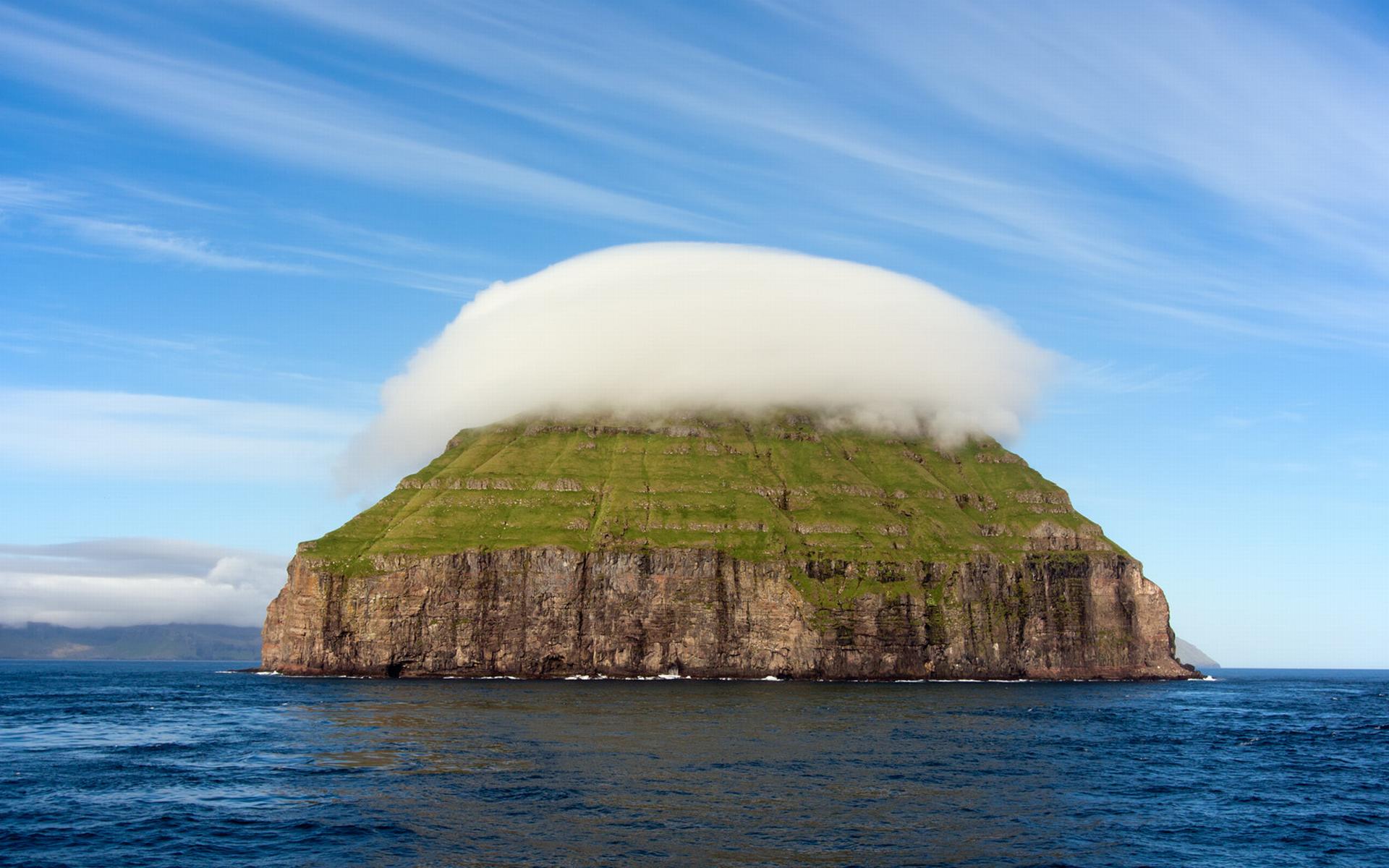 Amazing Photos Of Lenticular Clouds