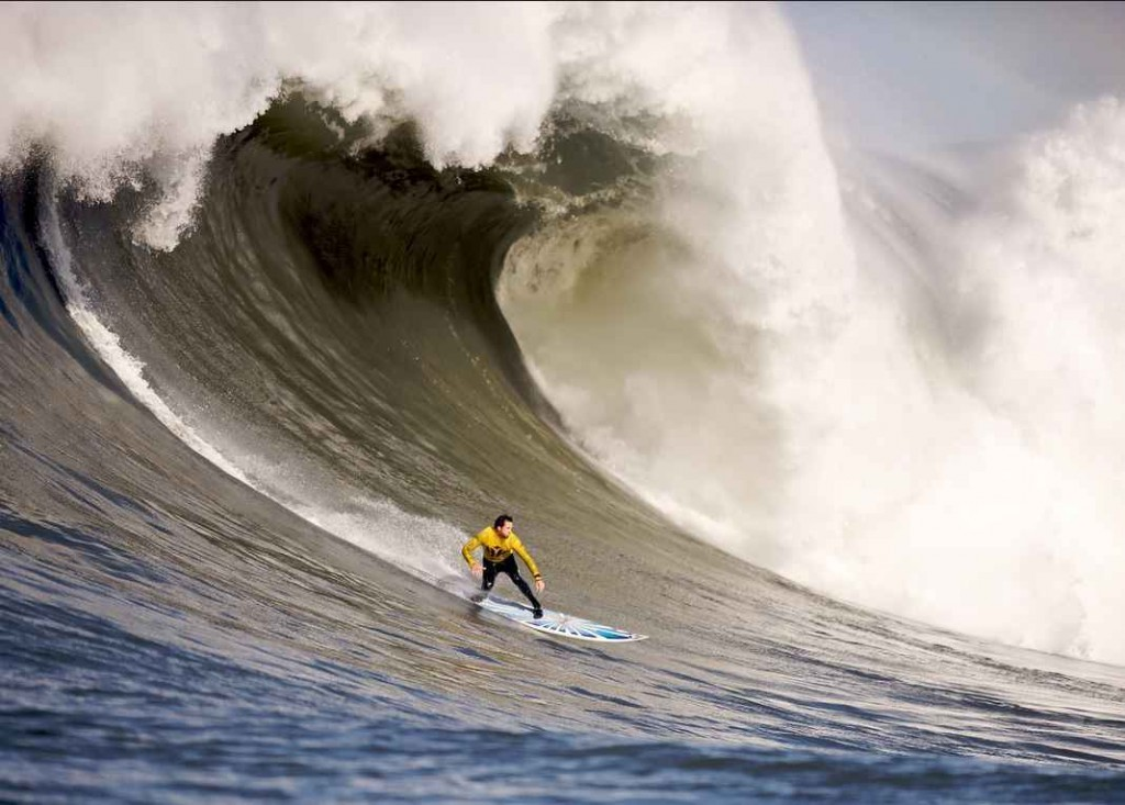 Top 10 Most Dangerous Sports in the World - Big wave surfing